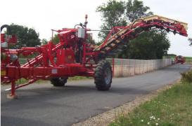 Harvester to collect carrots Simon R1DCMR, in the presence of